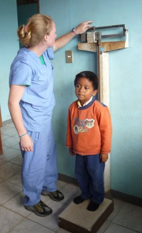 image cfhi-student-helping-out-local-clinic-in-ecuador-jpg